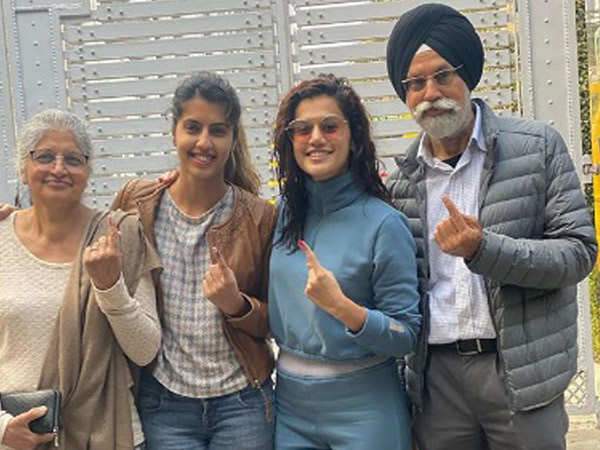 Taapsee Pannu casts her vote with family for Delhi elections 2020