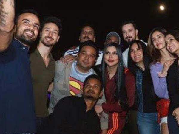 Tiger Shroff parties with Disha Patani and Shraddha Kapoor