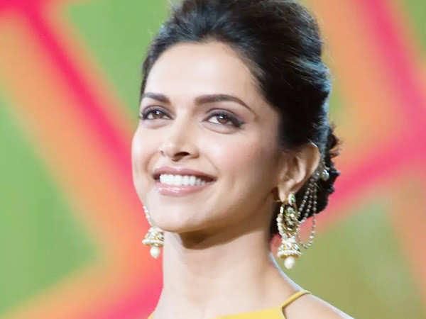 Deepika Padukone turned down Pradeep Sarkar's Nati Binodini biopic?