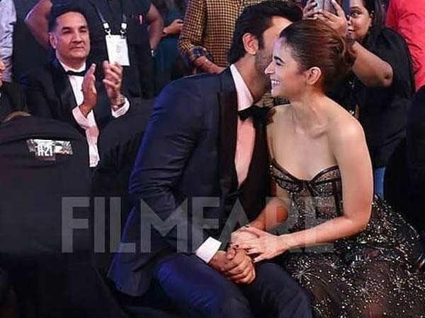 Are Ranbir Kapoor and Alia Bhatt deciding on their honeymoon destination?