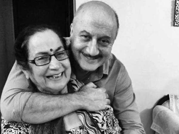 Anupam Kher says he hasn't yet told his mother that she's COVID-19 positive