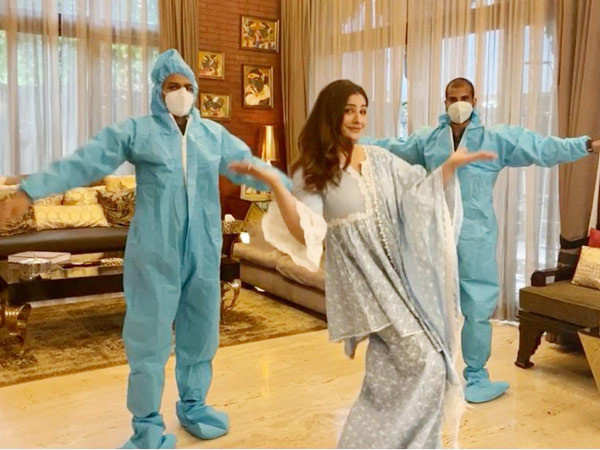 Raveena Tandon resumes shooting in her Mumbai house, shares pictures on Instagram