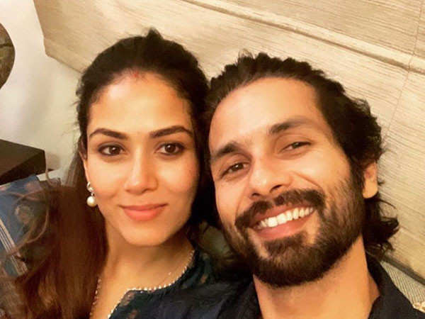 Shahid Kapoor wishes Mira Rajput a happy wedding anniversary with a cute selfie