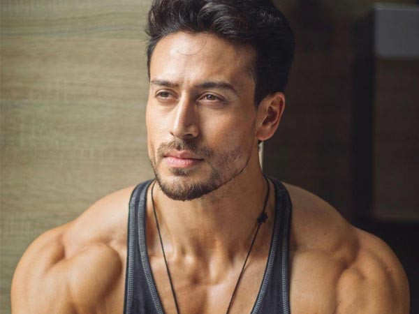 Tiger Shroff's turns mentor for his young fan and makes his day