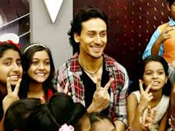 Tiger Shroff is super impressed with a little fan for this reason