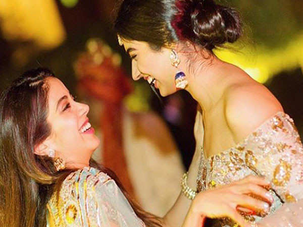 Exclusive video: Here's why Janhvi Kapoor thinks her sister Khushi Kapoor should be an actor