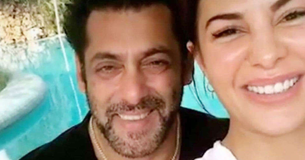 Heres what Salman Khan and Jacqueline Fernandez are upto at Khans farmhouse