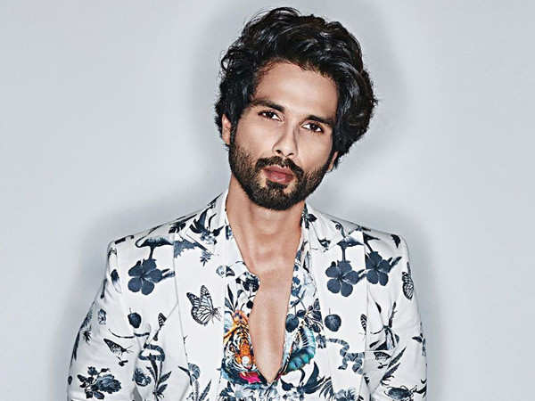Shahid Kapoor Pays His Respects to the Martyrs, who Lost their Lives in Galwan Valley