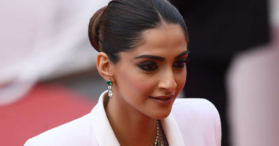 Sonam Kapoor Ahuja continues to do her bit for the nation amidst coronavirus pandemic
