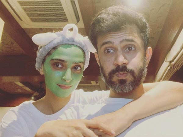 This goofy selfie of Sonam Kapoor and Anand Ahuja is all things couple goals
