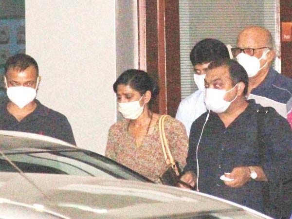 Sushant Singh Rajput Suicide: Actor's family members Arrive in Mumbai