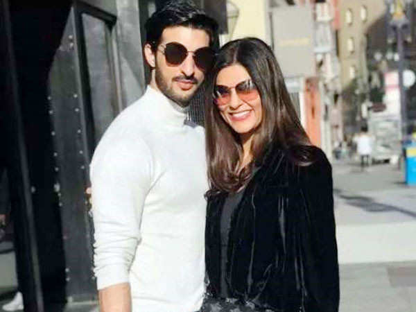 This video of Sushmita Sen and Rohman Shawl Working out Together is Amazing