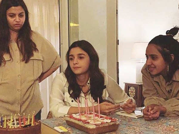 Video: Alia Bhatt brings in her 27th birthday with friends and sister Shaheen Bhatt