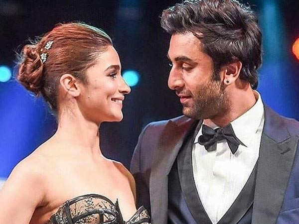 Alia Bhatt shuts down rumours of break-up with Ranbir Kapoor in a classy way