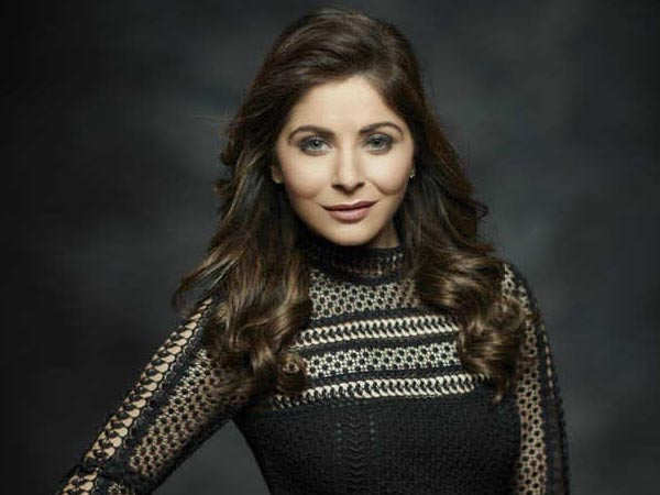 Kanika Kapoor Deletes her Post that Revealed she was Tested Positive for COVID19