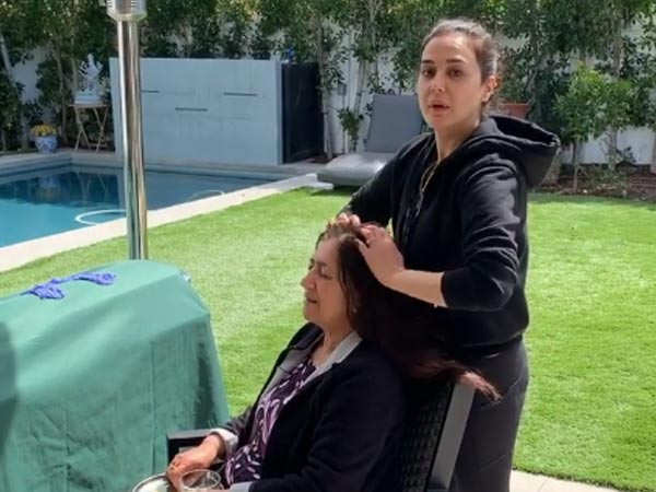 Preity Zinta's head massage for her mother is truly amazing