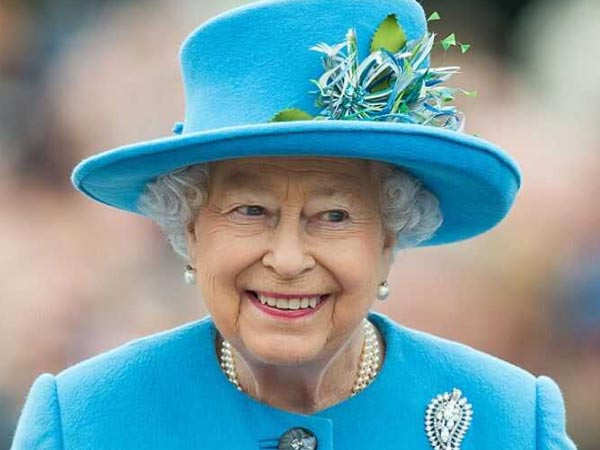 Queen Elizabeth Moves out of Buckingham Palace due to Coronavirus Scare