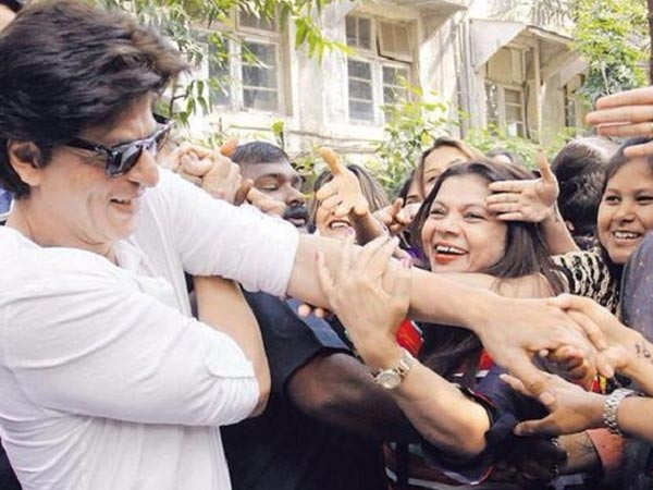 Shah Rukh Khan's fans shower love on his video creating awareness about coronavirus