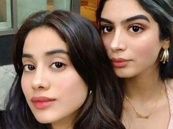 Janhvi Kapoor shares a cute video with Khushi Kapoor