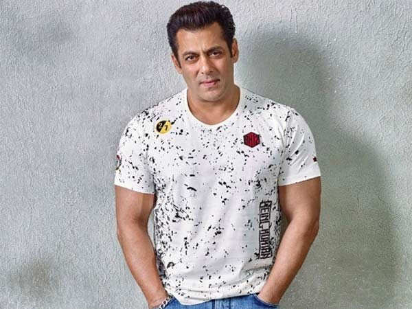 Salman Khan's quarantine-look is supper sassy and cool
