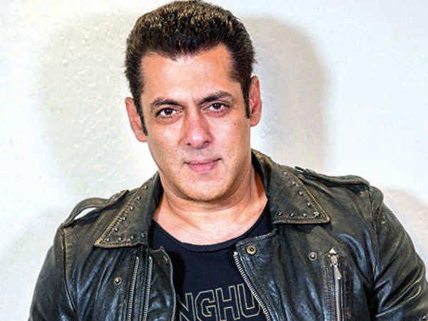 Salman Khan donates Rs. 3000 to each artist of AISAA