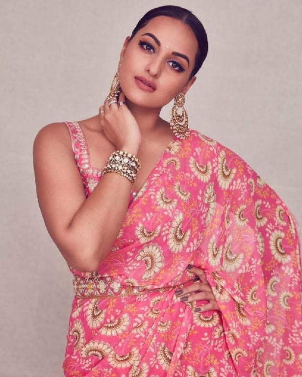 Sonakshi Sinha noble