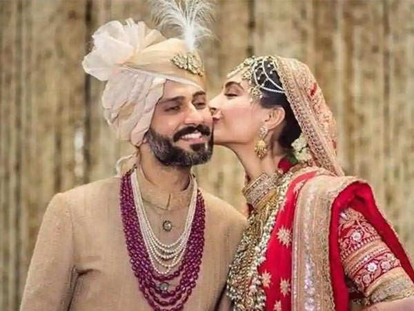 Sonam Kapoor and Anand Ahuja have fans gushing with their latest video