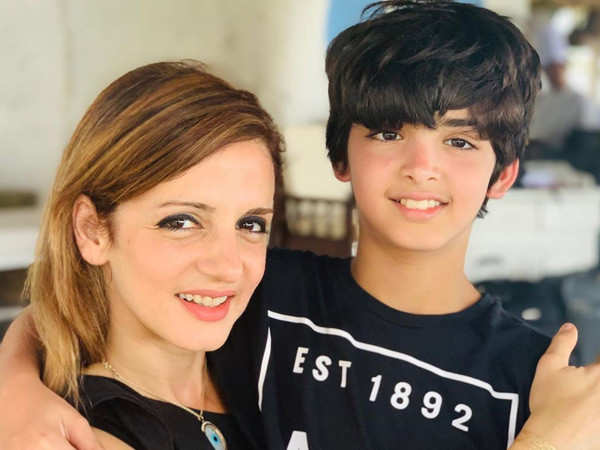 Sussanne Khan gives a glimpse of Hrithik Roshan's home