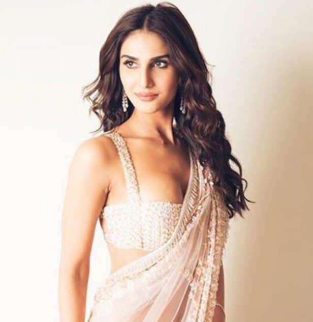 Vaani Kapoor does her bit in the battle against the coronavirus