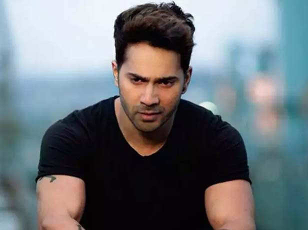 Varun Dhawan expresses grief on the demise of his aunt | Filmfare.com