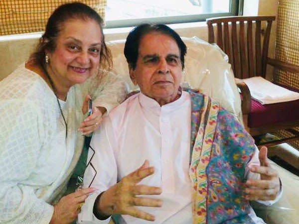 Dilip Kumar and Saira Banu's latest picture is a treat for their fans
