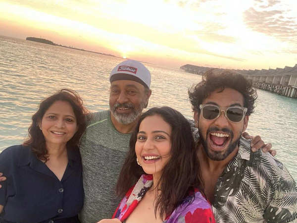 Rakul Preet Singh Heads Back From the Maldives with Family