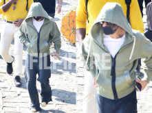 Photos: Shah Rukh Khan snapped leaving for Alibaug