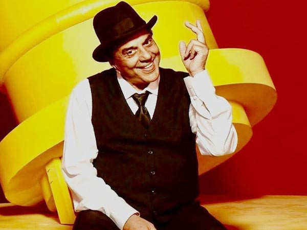 Dharmendra shares the sweetest video for his fans as he completes 60 years in the industry
