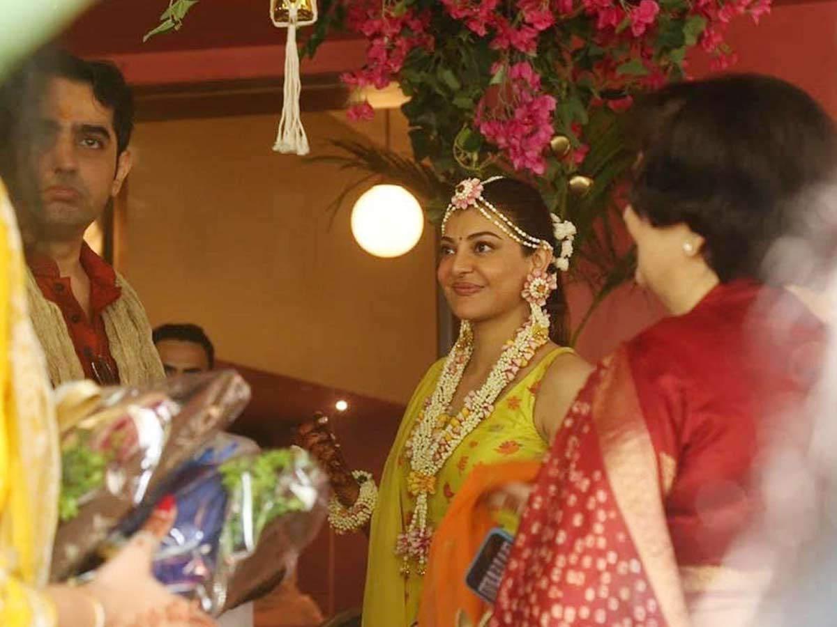 Photos: Kajal Aggarwal Decks Up For Her Mehendi Ceremony | Filmfare.com