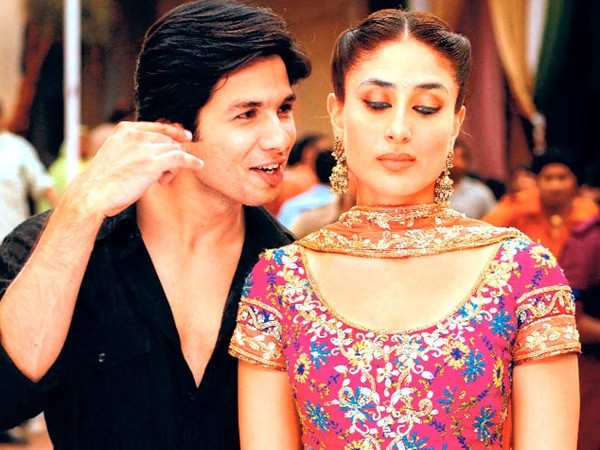 Kareena Kapoor Khan shares a picture with Shahid Kapoor on Jab We Met's 13th anniversary