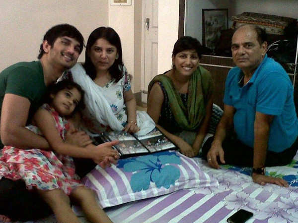 Meetu and Priyanka Singh approach High Court to invalidate Rhea Chakraborty's FIR