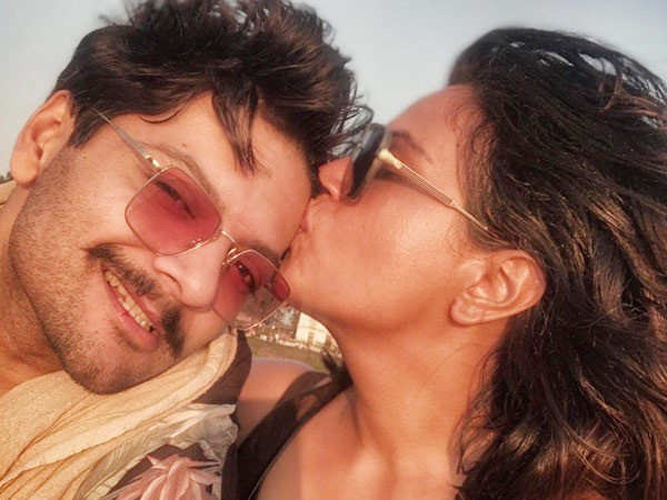 Richa Chadha wishes boyfriend Ali Fazal on his birthday with a cute post