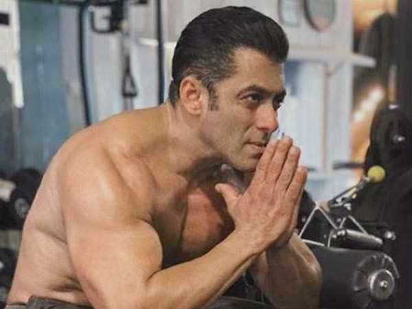 Salman Khan launches a gym in Bangalore