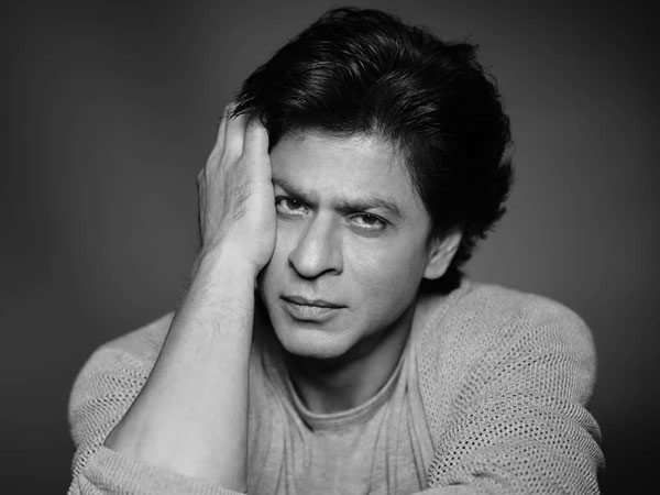 Shah Rukh Khan's witty replies in #AskSRK session has left the netizens in splits
