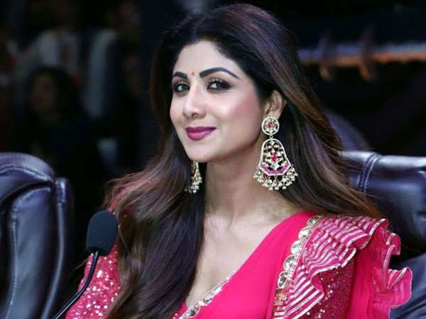 Shilpa Shetty binges on fruits during her Navratri fast