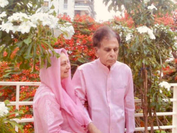 Dilip Kumar shares an adorable picture with Saira Banu