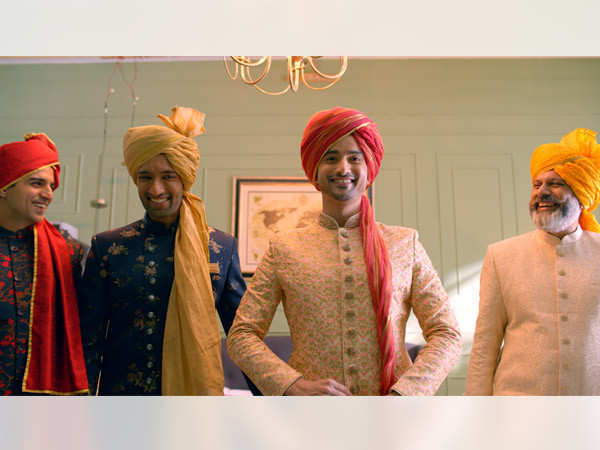 #ShaadiGrandHogi: Manyavar proves your close ones is all you need on your special day