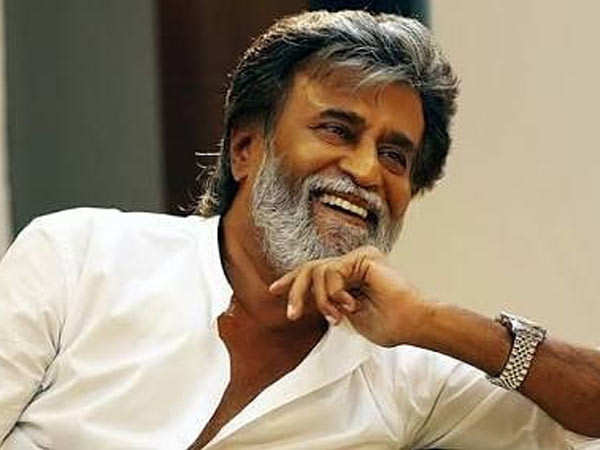 Rajinikanth's Golden Gesture to Please his Fan Wins Our Heart