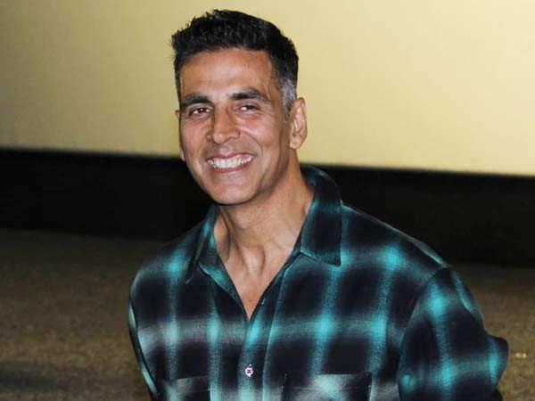 Hilarious! Ranveer Singh asks Akshay Kumar to get Sooravanshi released