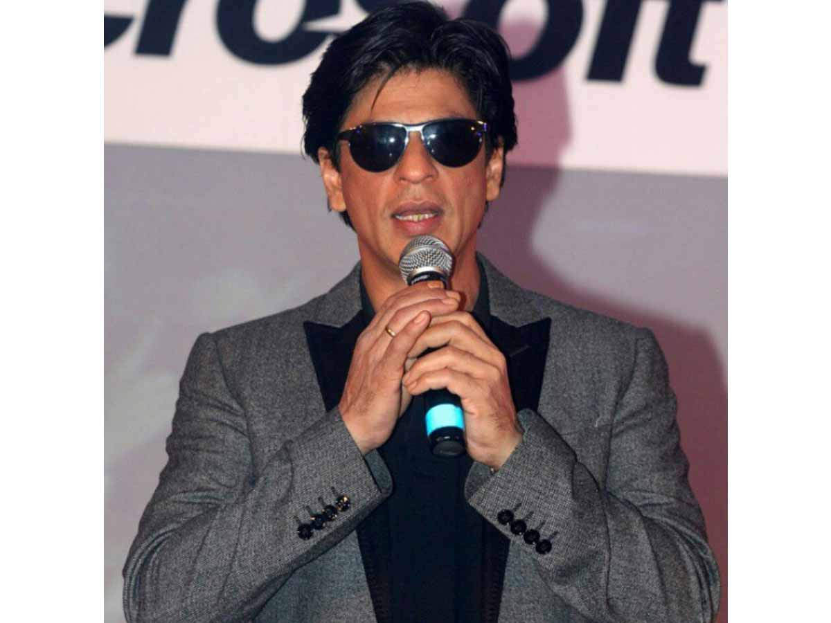 Shah Rukh Khan has been in the business of movies for three decades now. He has remained relevant all these years and has given the audience several memorable movies, characters, dialogues and songs. The actor is loved by millions of people across the globe. SRK owns a luxurious home in Mumbai called Mannat, but apart from that, his holiday home in Alibaug which he usually uses for partying and for quick getaways with his family is also drool-worthy. The holiday home spreads across 19,960 square meters and has a private helipad.    The actor, as well as his friends, are seen landing there quite often. The white interiors, wooden furniture and open decks add to the feel of the holiday home and give off the sheen of ultimate luxury.