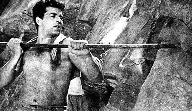 Dharmendra shirtless Phool Aur Patthar