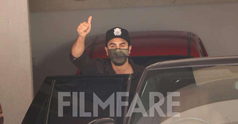 Ranbir Kapoor spotted at a clinic in Mumbai yet again