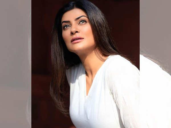Always well-spoken, Sushmita Sen recited poem in a viral video