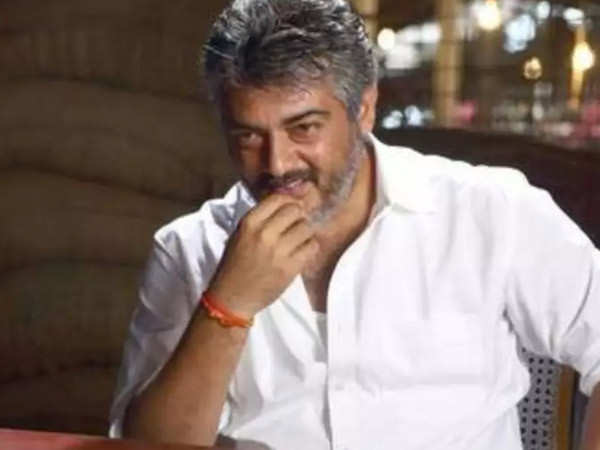 This video of Ajith snatching the phone from a man who was trying to take a selfie is going viral